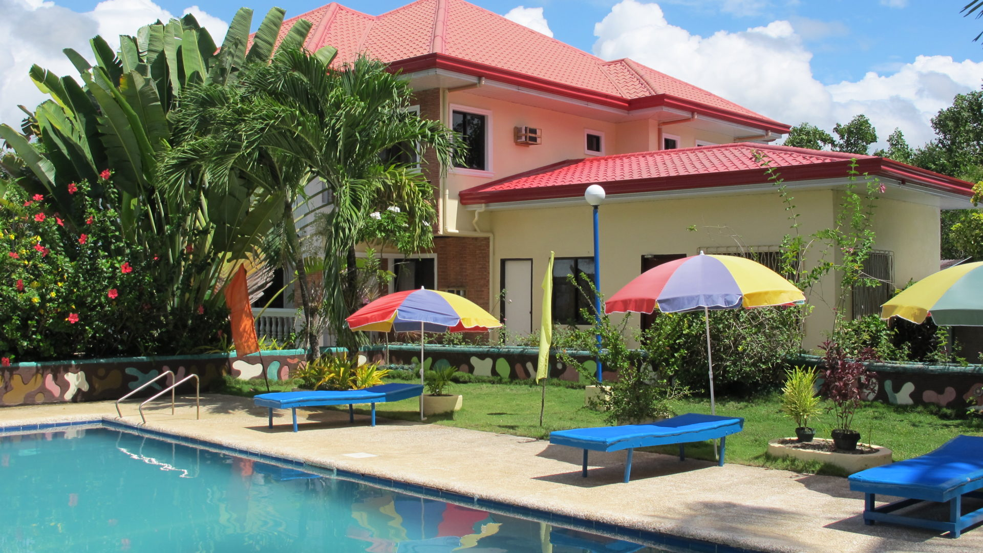 Welcome to the Looc Garden Beach Resort